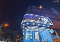 Cho thuê nhà ngã tư Lê Văn Việt, 558m2 -  4 tầng