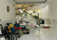 Cho thuê nhà đẹp 12 triệu 4 phòng ngủ KDC 586