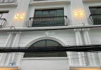 Cho thuê nhà đẹp đường CMT8, gần CLB Lan Anh, Q. 10. DT: 4x16m, trệt, 3 lầu, giá: 16 triệu/th