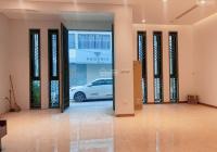 Cho thuê cửa hàng mặt phố Đội Cấn mặt tiền gần 8m giá chỉ 13.5tr/th, hỗ trợ 20% dịch