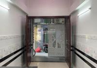 Nhà bán Nguyễn Thị Tần ngay chợ Rạch Ông, phường 1, quận 8