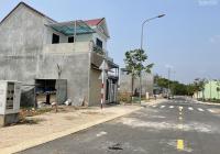 Bán nhà 1 trệt 1 lầu Vĩnh Tân - Tân Uyên mặt tiền DT742 vào 100m - giá 1tỷ550 - LH 0964388378
