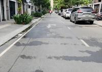 Bán biệt thự đường Lý Thường Kiệt Quận Tân Bình. DT: 8,65mx25m CN 192.65m2 1 hầm 2 lầu
