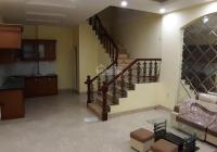 Cho thuê nhà riêng phố Lê Duẩn, DT 40m2 x 4 tầng MT 4.5m, 3 phòng ngủ, full nội thất, giá 14tr (TL)