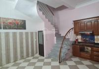 Cho thuê nhà vực Kim Giang=30m2 x 4 tầng, 3 phòng ngủ, giá thuê 6tr/tháng