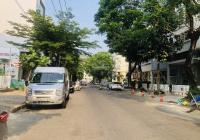 Cho thuê nhà phố trung tâm Phú Mỹ Hưng có hầm, thang máy, nhà mới thích hợp làm văn phòng