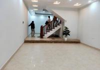 Cho thuê nhà Trung Văn, DT 70m2, 4 tầng, xe ô tô đỗ cửa, phù hợp làm văn phòng. Giá 23 triệu/tháng