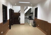 Cho thuê nhà 3 tầng, 2PN, phố Điện Biên Phủ gần Lăng Bác