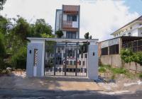 Nhà trệt 2 lầu 3 phòng, full nội thất, đường DX 039, Phú Mỹ, nhà mới