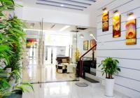 Cho thuê gấp căn nhà phố mặt tiền đường Hoàng Quốc Việt Q7, DT: 6x22m 42tr/th. LH: 0907394466