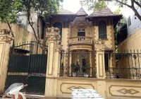 Cho thuê nhà biệt thự phố Hàng Bún, Ba Đình. 385m2 XD 180*3,5 tầng, có sân vườn, MT 12m, giá 230 tr