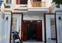 Bán gấp nhà MT Đoàn Nguyễn Tuấn gần chợ Hưng Long Bình Chánh, sổ hồng riêng, 98m2 LH 0788899281