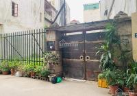 Cần tiền bán gấp đất Hữu Hòa, Thanh Trì dt 55m2, MT 4m vuông vắn, hàng xóm thân thiện giá 2,4tỷ
