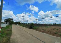 Tôi bán đất 240m2 MT Trần Văn Nghĩa, SHR, đường xe hơi 7m, ra cảng Quốc Tế 20p. Giá 1,75 tỷ/240m2