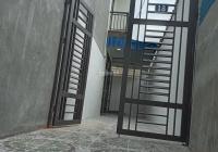 Bán nhà 2 tầng ngõ đường Trần Đăng Ninh, gần chợ 5 tầng, dt 64m, có sân cổng, giá 790tr, 0985826887