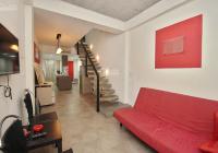 Cho thuê nhà riêng 2 phòng ngủ tại phố Lò Đúc