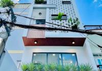 Nhà phố hiện đại và đầy đủ tiện ích. Nhà xây mới và tặng toàn bộ nội thất cho khách