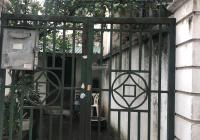 Bán gấp căn nhà lô góc 2 mặt thoáng, 76m2 2 tầng cũ phố Xuân Thủy Cầu Giấy giá 5.5 tỷ LH 0898309888