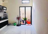 Bán nhà 3 tầng ngõ Cam Lộ, bên ủy ban - ngõ rộng từ 2,5 đến 3m, 3 phòng ngủ, 2 vệ sinh, 0962444593