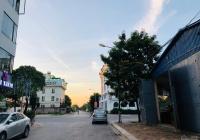 Cần bán lô cạnh góc diện tích 330m2 ngã tư phố Việt Hưng, liên hệ: 0568889888