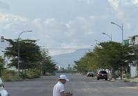 Cần bán lỗ nhanh lô biệt thự Mỹ Gia, Vĩnh Thái 550m2, đường 27m giá 26tr/m2. LH 0977681668