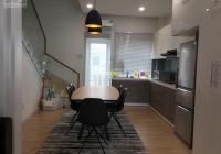 Cho thuê nhà 1 trệt 2 lầu diện tích 75m2 nội thất cao cấp châu âu giá 13tr/tháng bao phí quản lí