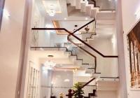Bán nhà mặt tiền đường Hùng Vương, quận 10, DTSD: 380m2, 5 lầu, giá 17.9 tỷ, vị trí đẹp