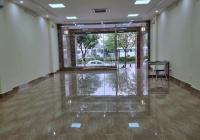 Cho thuê mặt bằng tầng 1 riêng biệt nhà 110 Trần Vỹ, MT 6,5m, DT 130m2 giá 30tr/th. LH: 0986329050