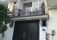 Cho thuê nhà đường Trục, P. 13, Q. Bình Thạnh, 3 lầu, gần ĐH Văn Lang, giá 15 triệu/tháng
