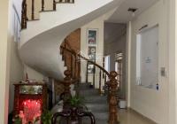 Cần bán nhà 3 tầng kiệt 6m Nguyễn Văn Thoại, phường Mỹ An, khu An Thượng. Diện tích: 142m2 ngang 5m