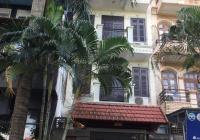 Cho thuê nhà nguyên căn Nguyễn Trãi - Thanh Xuân 70 mx 5 tầng , tầng 1 để dc ô tô