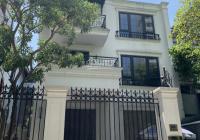 Cho thuê nhà biệt thự sân vườn, Trung Văn Vinaconex, 150m2*3,5 tầng. Giá 45 tr/th, LH 0817992222