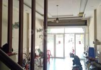 Bán nhà mặt tiền Lạc Long Quân, trệt lửng 2 lầu ST, 5pn 4wc, diện tích: 4 x 12.5m, giá 14.5 tỷ
