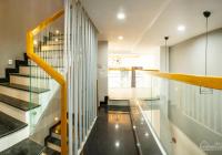 Nhà phố ven sông hoàn thiện nội thất, diện tích sử dụng 250m2 1 trệt 3 lầu ngay cầu vượt Bình Phước