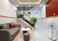 Ngay chợ Bà Chiểu, HXH, nhà 2 tầng mới đẹp, 30m2 giá chỉ 2,8 tỷ - 0368995184