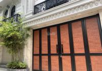 Cần bán gấp nhà sát mặt tiền, hẻm xe hơi vào tận nhà, đường Tôn Đản, LH 0988324468