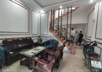 Bán căn nhà 3 tầng ngay gần chân cầu Lạc Long giá cực rẻ chỉ việc về ở ngay. LH 0899.822.392