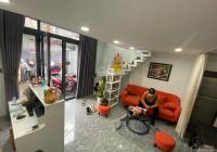Cho thuê nhà góc 2 mặt hẻm, nhà mới đẹp giá thuê 15 triệu/tháng. Liên hệ: 0902 689 077 Ms Vân