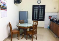 Cho thuê nhà riêng ngõ 12a Lý Nam Đế 50m2 x 4 tầng, T1 bếp khách, trên chia 2 phòng ngủ