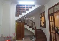 Cần cho thuê nhà 1 trệt 2 lầu 9x13m 30tr/th hẻm xe hơi Nguyễn Cửu Vân (gần trường ĐH Hutech)