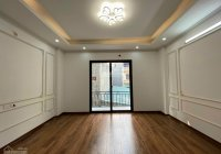 Chính chủ cần bán nhà DT 35m2 - SĐCC, nhà mới-  đẹp full nội thất phố Đại Từ, Hoàng Mai