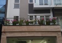 Cho thuê nhà A10 Nguyễn Chánh. Thông sàn, thang máy, DT 75m2, 4T, MT 6m, giá 47tr/th