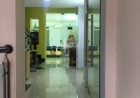 Cho thuê nhà NC mặt tiền Hoa Lan, Phú Nhuận