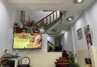 Nhà đẹp 1 trệt 2 lầu, vị trí tốt khu tái định cư Bửu Long, 200m2, chỉ 4,2 tỷ, LH: 0918362646