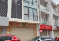 Cho thuê nhà mới mặt phố Bạch Đằng, DT 70m2 x 5 tầng, MT 6m, giá 32 triệu/tháng. LH: 0974739378