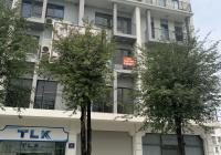 Chính chủ cho thuê nhà Nguyễn Khánh Toàn DT 90m2, 6 tầng, MT 10m, thông sàn, thang máy. Giá 45tr/th