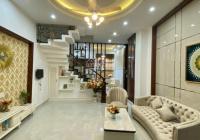 Bán nhà mặt tiền đường Nguyễn Văn Cừ, phường Cầu Kho, quận 1, DT: 5x14m, giá 24 tỷ