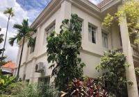 Biệt thự Thảo Điền diện tích lớn giá rẻ, sân vườn rộng, thích hợp cho thuê hoặc xây dựng mới