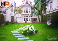 Biệt thự Tây Hồ đẹp cho thuê với 5 phòng ngủ, sân vườn rộng, đồ đạc cơ bản