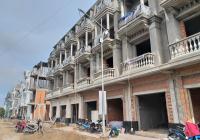 Nhà phố 1 trệt 3 lầu mặt tiền chợ Bình Minh vị trí vàng để kinh doanh và cho thuê